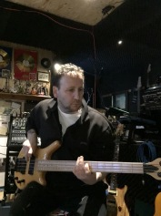 em on bass